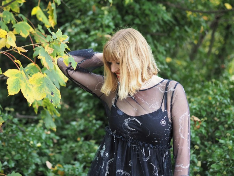 over 40 Hallowe'en outfit star dress