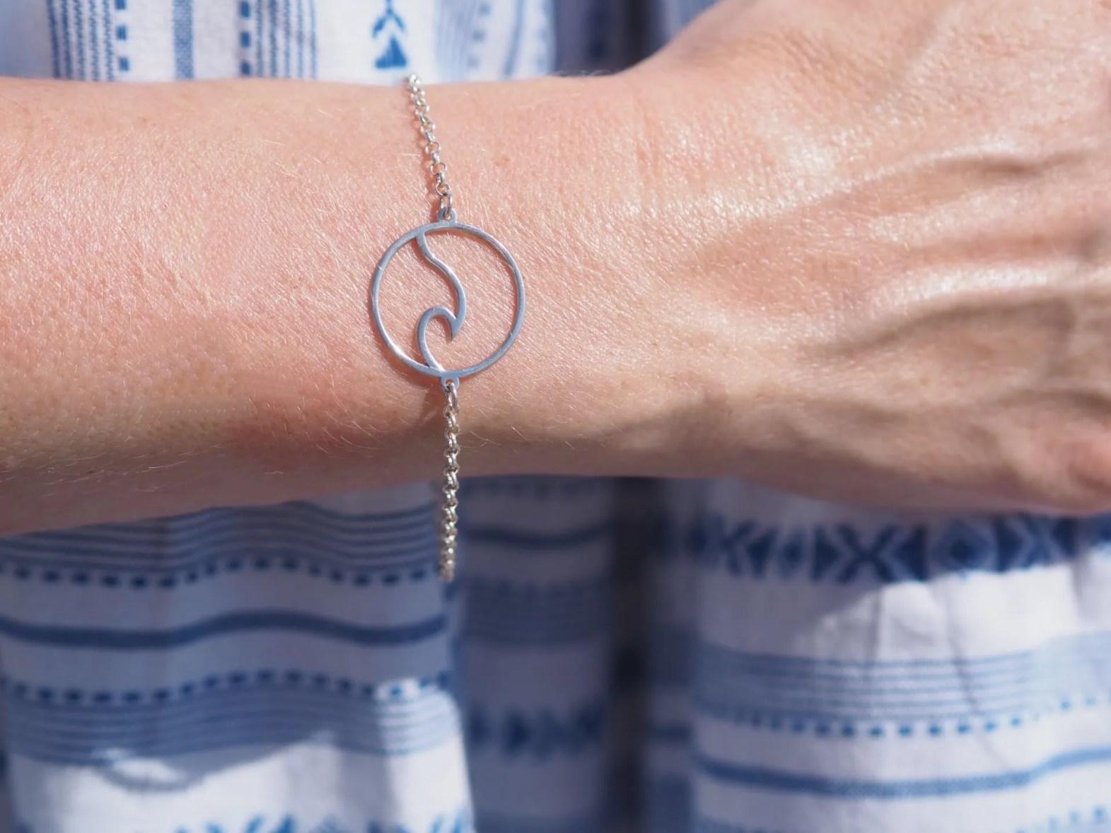wave bracelet by Onenecklace