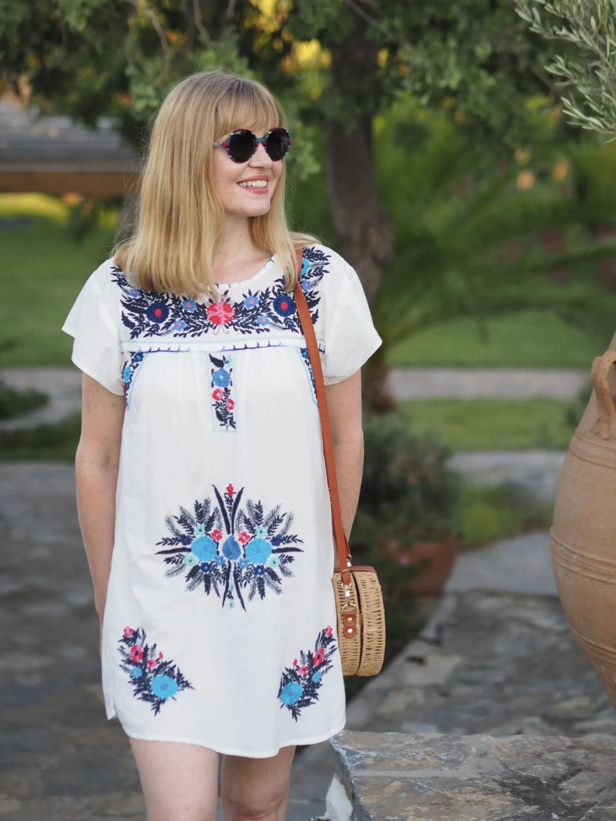 holiday outfits: embroidered beach dress