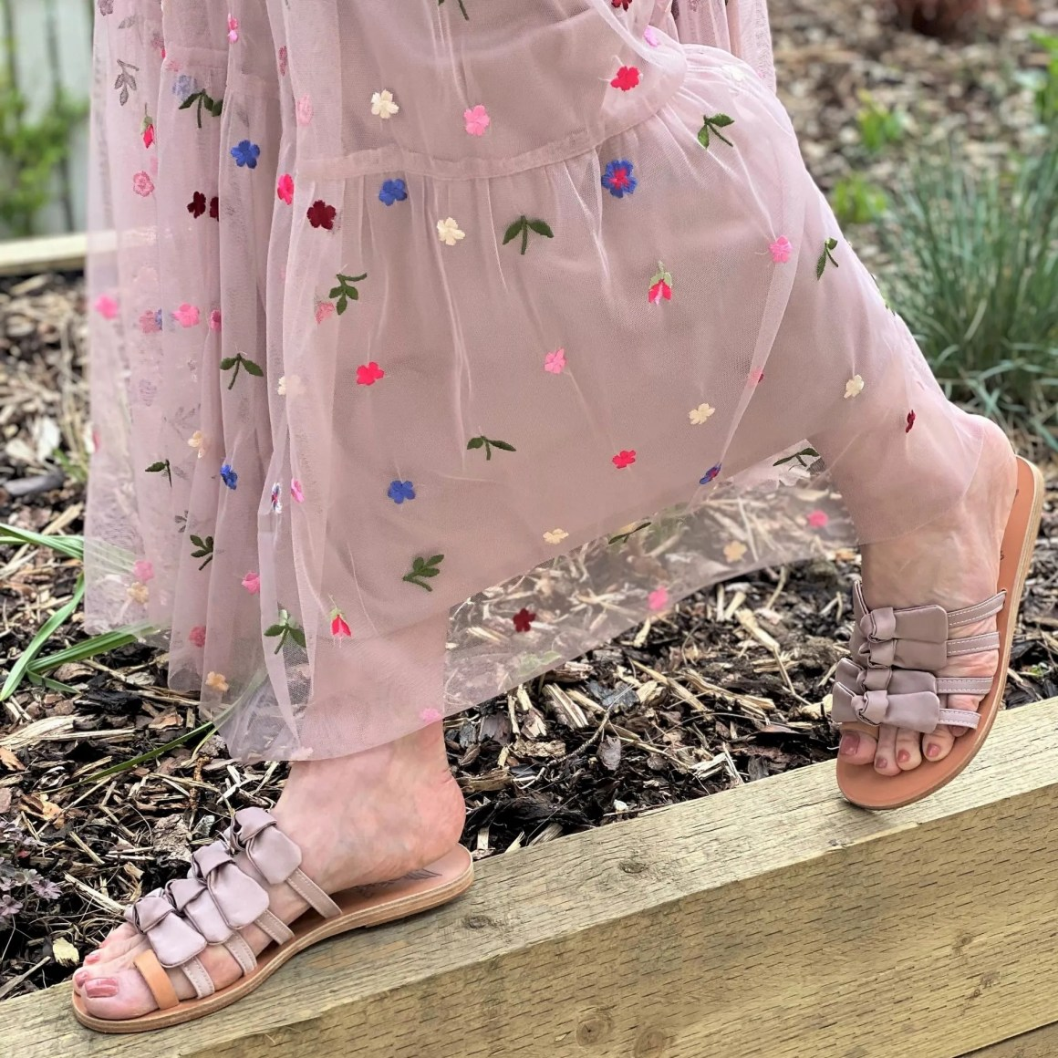 nude pink bow flat sandals