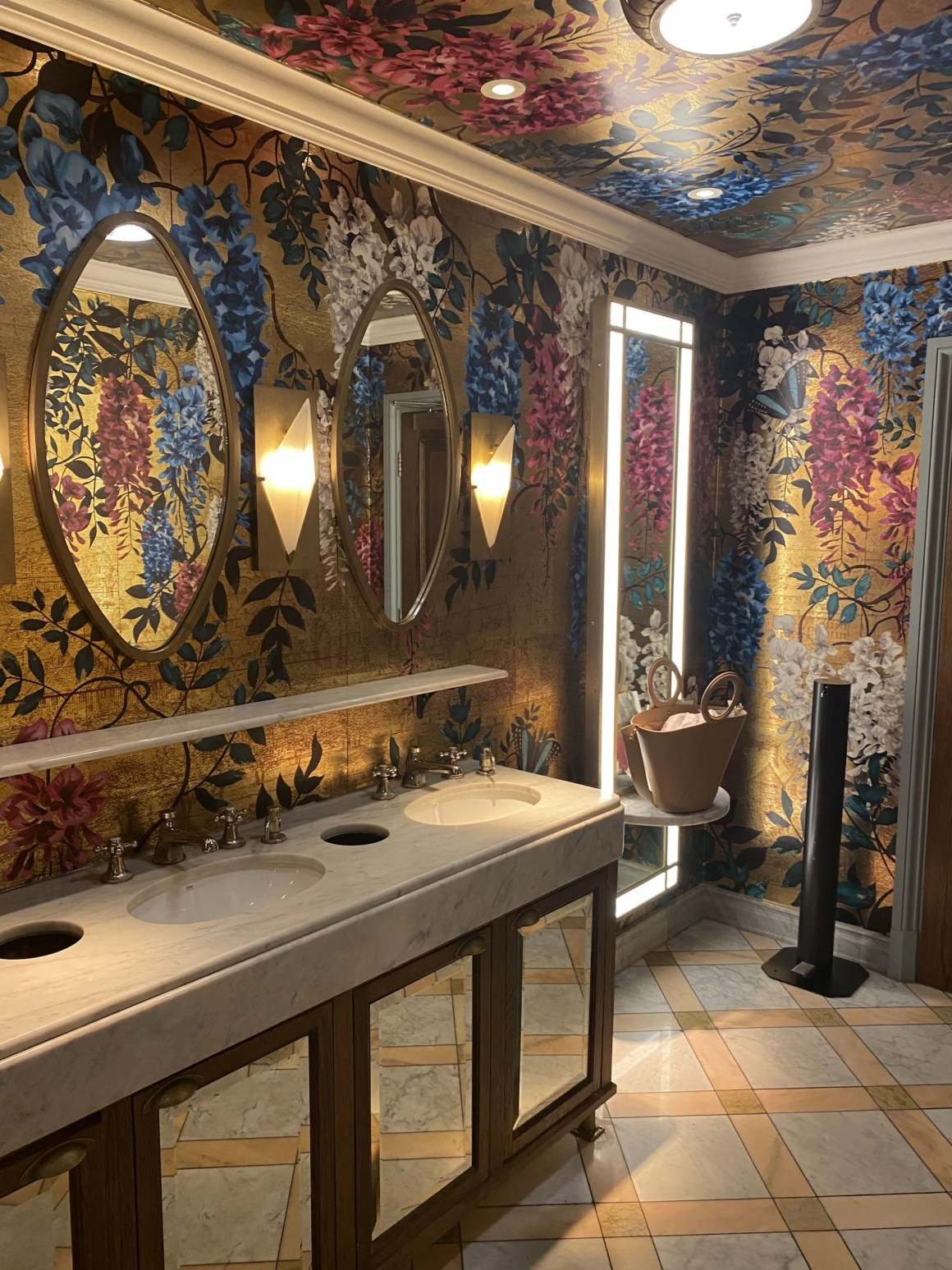 the loos at The Ivy Leeds