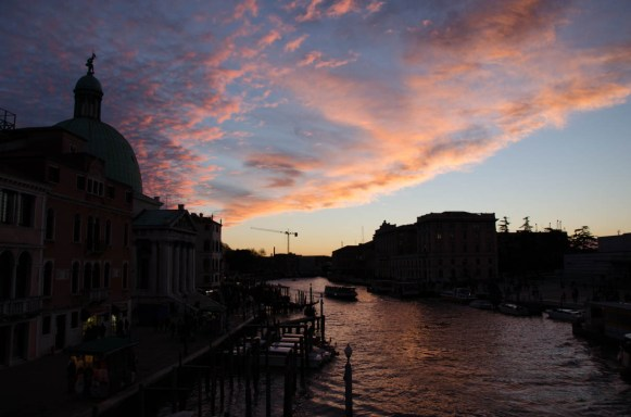 Before we finally left this beautiful sky turned up, one of the last presents Venice had to offer :) See you soon, ciao Venezia!