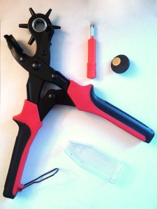 ESUP(TM) HOLE PUNCH PLIERS LEATHER