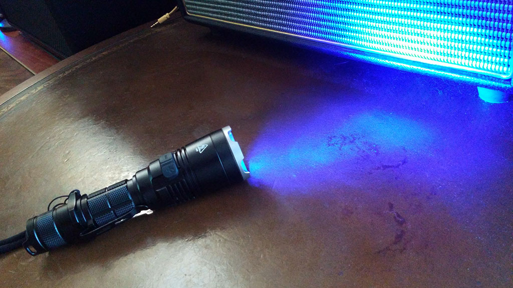 NiteCore MH27UV 1000 Lumens Flashlight