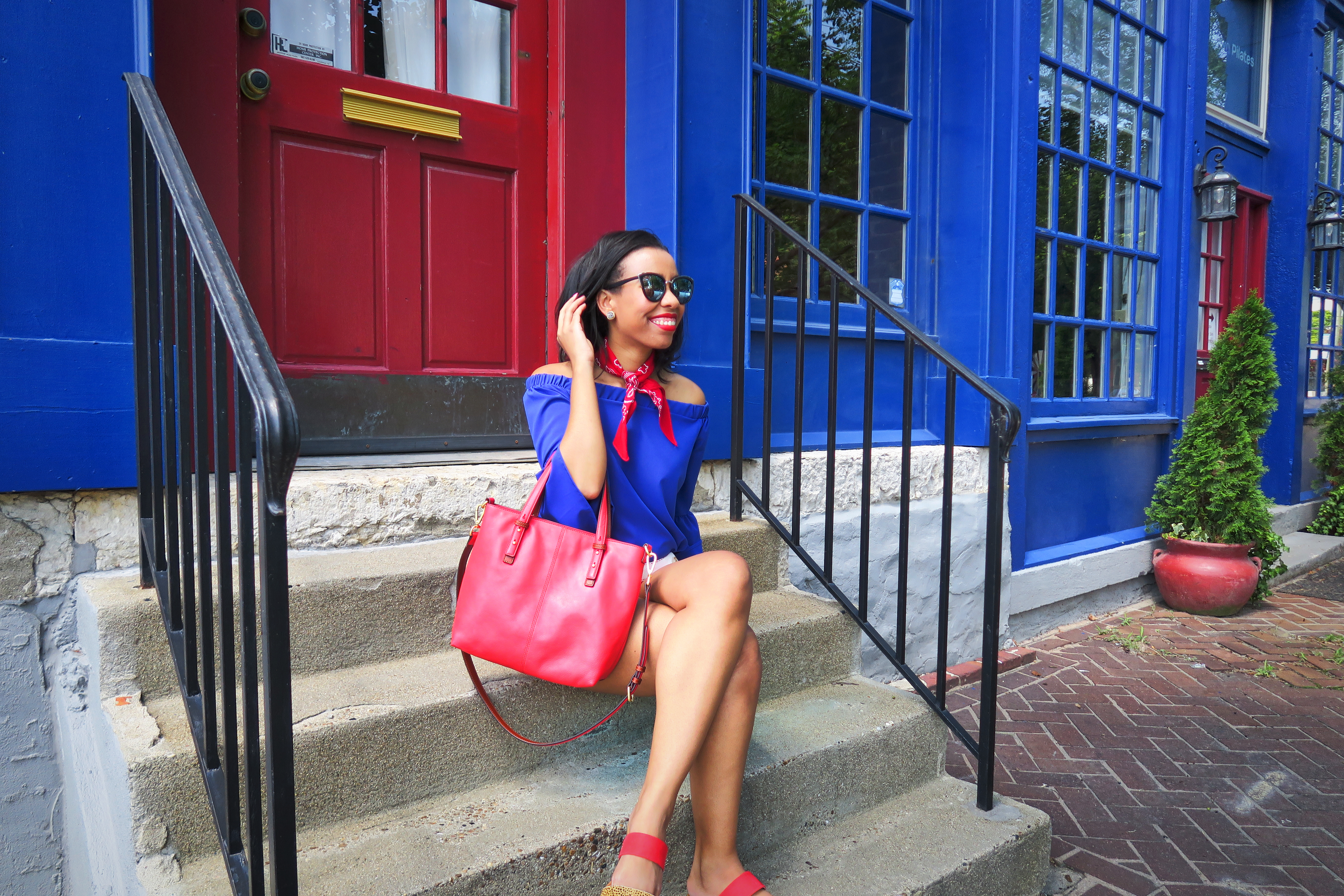 Louisville blogger, What Nicole Wore, rounds up the hottest Independence Day Sales just in time for the 4th of July.