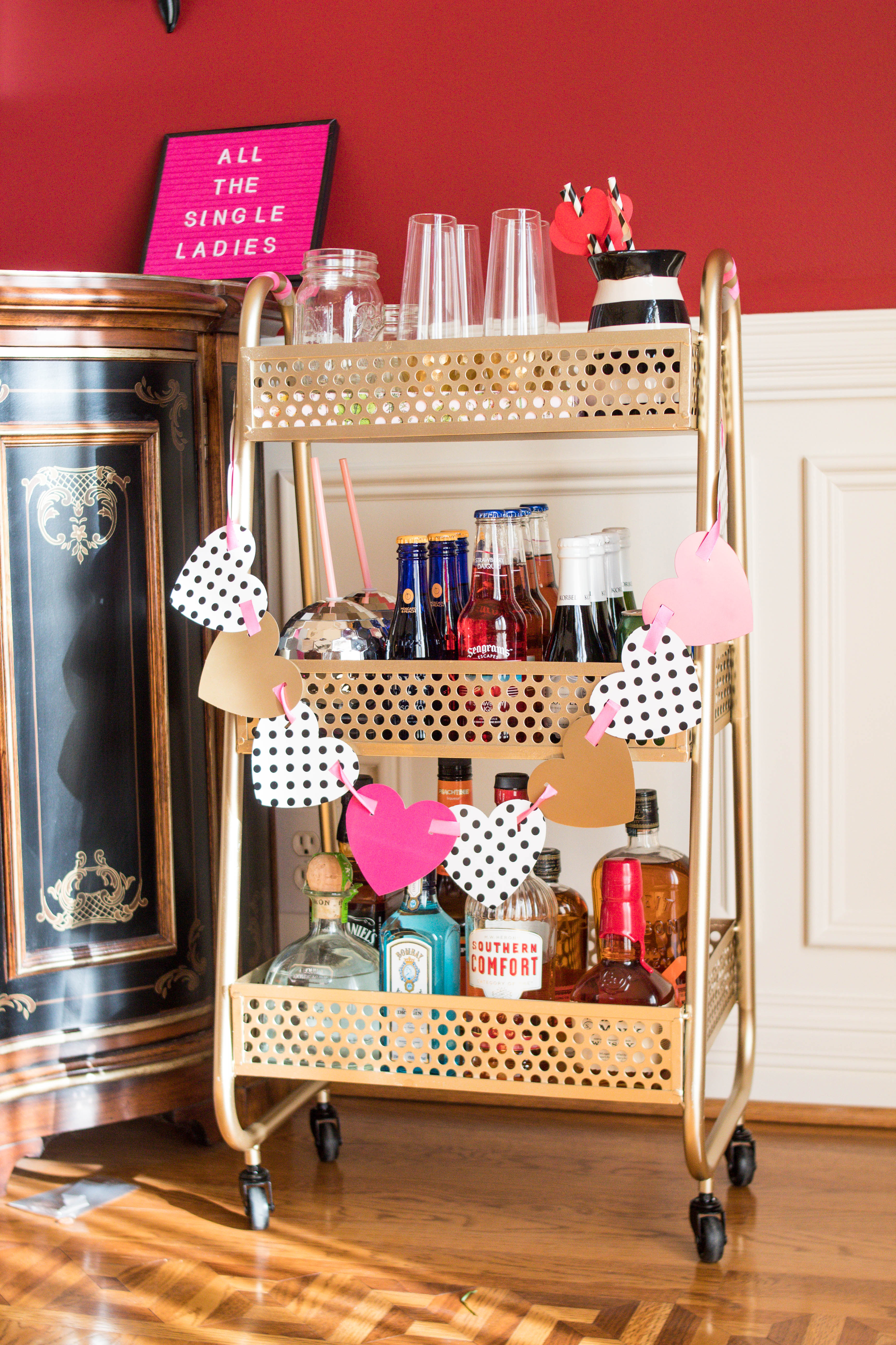 Kentucky Lifestyle Blogger, What Nicole Wore, Shares How To Find An  Affordable Bar Cart