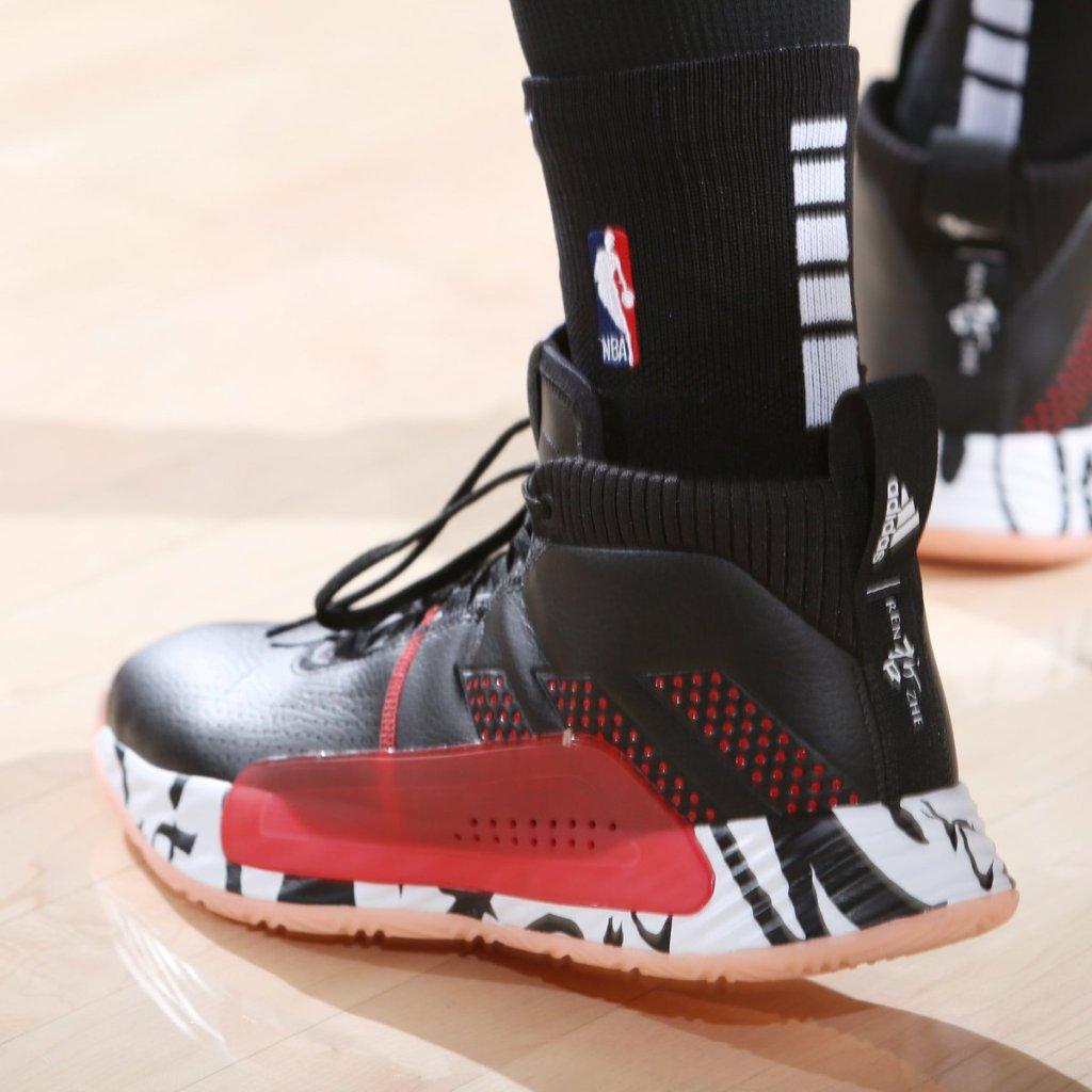 new styles 56ecd 77dd9 Damian Lillard s adidas Dame 5 Shoes