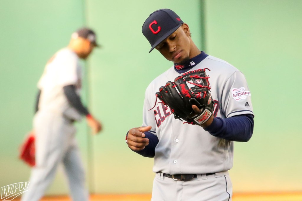 1b4014ccbe4d Francisco Lindor's Rawlings Pro Preferred PROS205-2KB Glove. What Pros Wear  ...