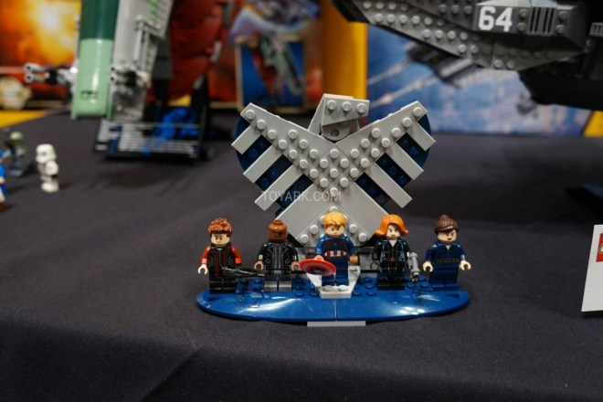 LEGO Hellicarrier toyfair 2014 (3)