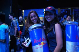 Red Bull girls helping out the gamers!