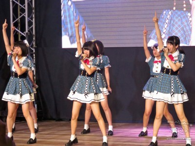 T8-Action-Pose-1