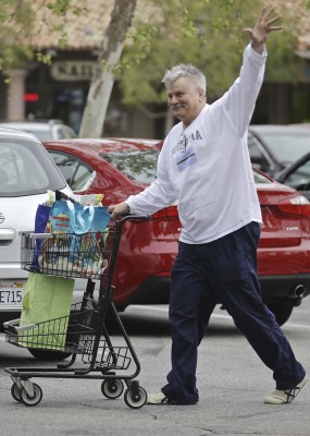 UK CLIENTS MUST CREDIT: AKM-GSI ONLY Richard Dean Anderson flaunts his moustache as he loads his truck full of groceries after shopping at Ralph's in Malibu this afternoon. The 'MacGyver' star waved to the cameras as he walked his shopping cart to his ride with a big smile. Pictured: Richard Dean Anderson Ref: SPL1006925 220415 Picture by: AKM-GSI / Splash News