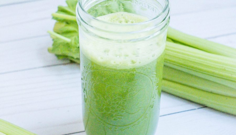 Should You Be Drinking Celery Juice? #whatsavvysaid #ontheblog #wellness #celeryjuice #medicalmedium #chalkboardmagazine #selfcare #naturalhealing
