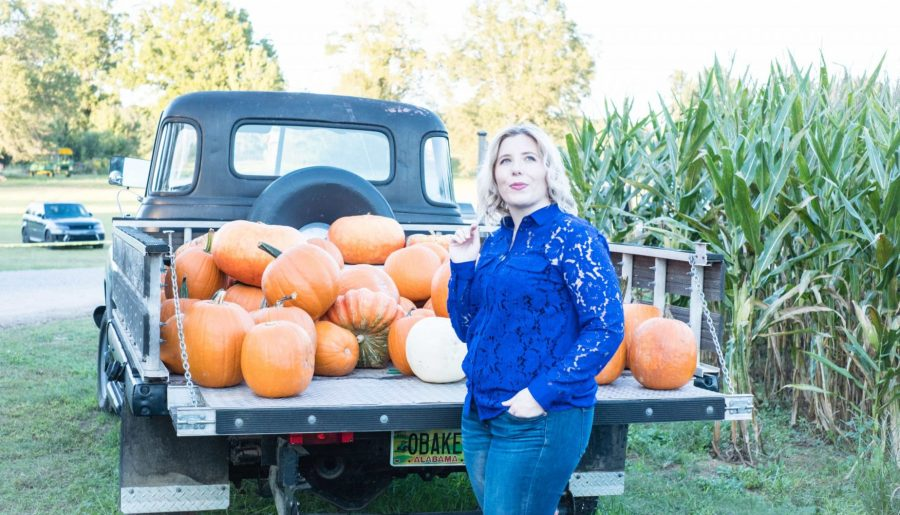 How To Navigate The Holiday Sales & Stay On Budget #whatsavvysaid #fallsales #fallbudget #pumpkinpatch #birminghamal #fallnails #fallactivities #pumpkins #fallvibes