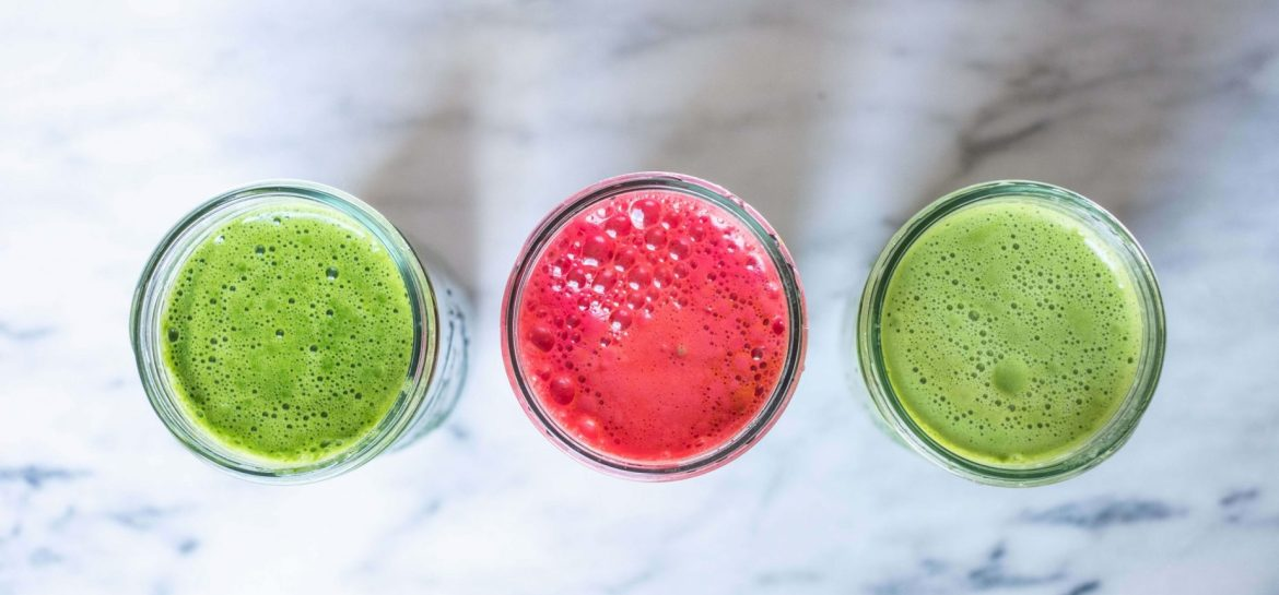 3 JUICE RECIPES TO JUMPSTART YOUR MORNING #whatsavvysaid #morningroutine #morningjuice #juicecleanse #juicejanuary #kitchensinkjuice #organicveggies #cucumber #ginger #veganbreakfast
