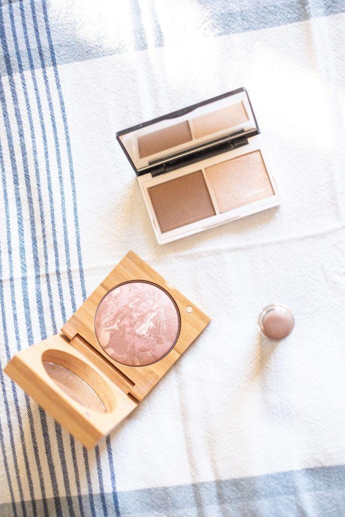 What's In My Clean Makeup Bag- Winter Edition #whatsavvysaid #cleanmakeup #cleanmakeupbag #wintermakeup #antonym #vapour #lilylolo #contour #blush