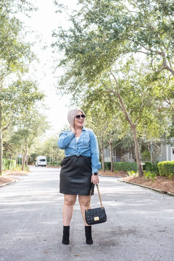 5 Tips For Shopping Your Closet #whatsavvysaid #wellnessblogger #fashionblogger #lifestyle #shopyourcloset #girlonabudget #curvystyle #shopyourwardrobe