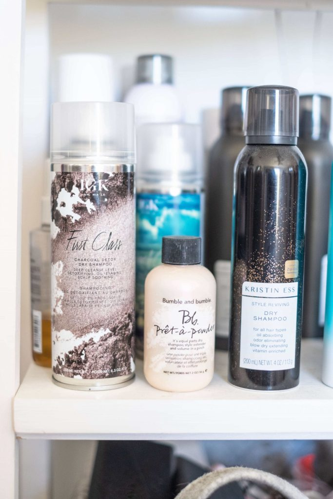 Best Dry Shampoo For Blonde Hair #whatsavvysaid #beautyblogger #dryshampoo #dryshampooforblondehair #blondehair #moroccanoil #whiteblondedryshampoo