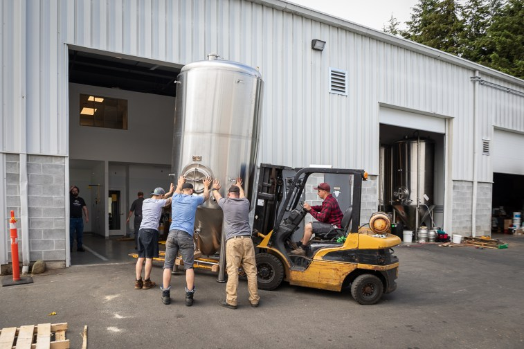 Installation of tanks at Mt Arrowsmith Brewing