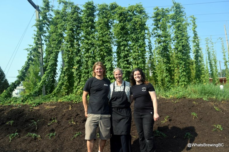 The team welcomes you: Proprietors Andrew and Melanie, with Head Brewer Karen