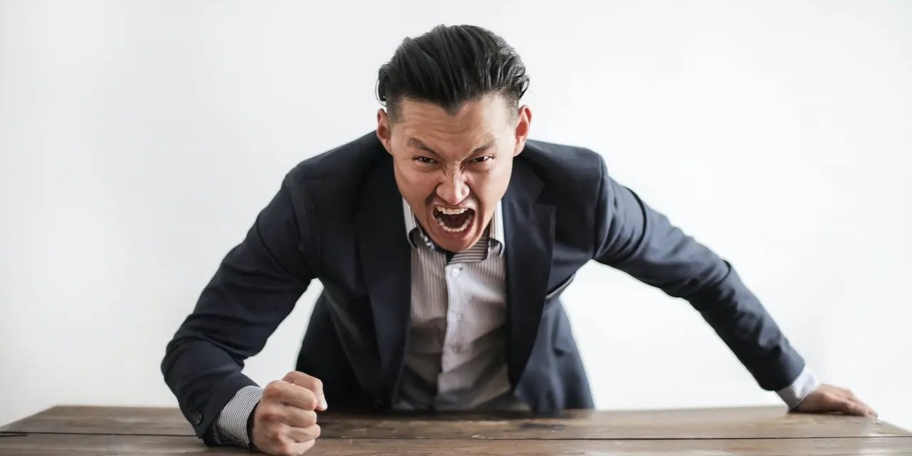 10 Smart Ways To Handle A Toxic Boss