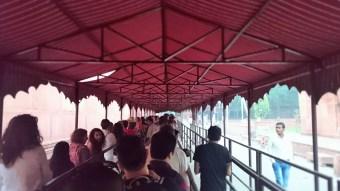 Taj Mahal. Waiting..