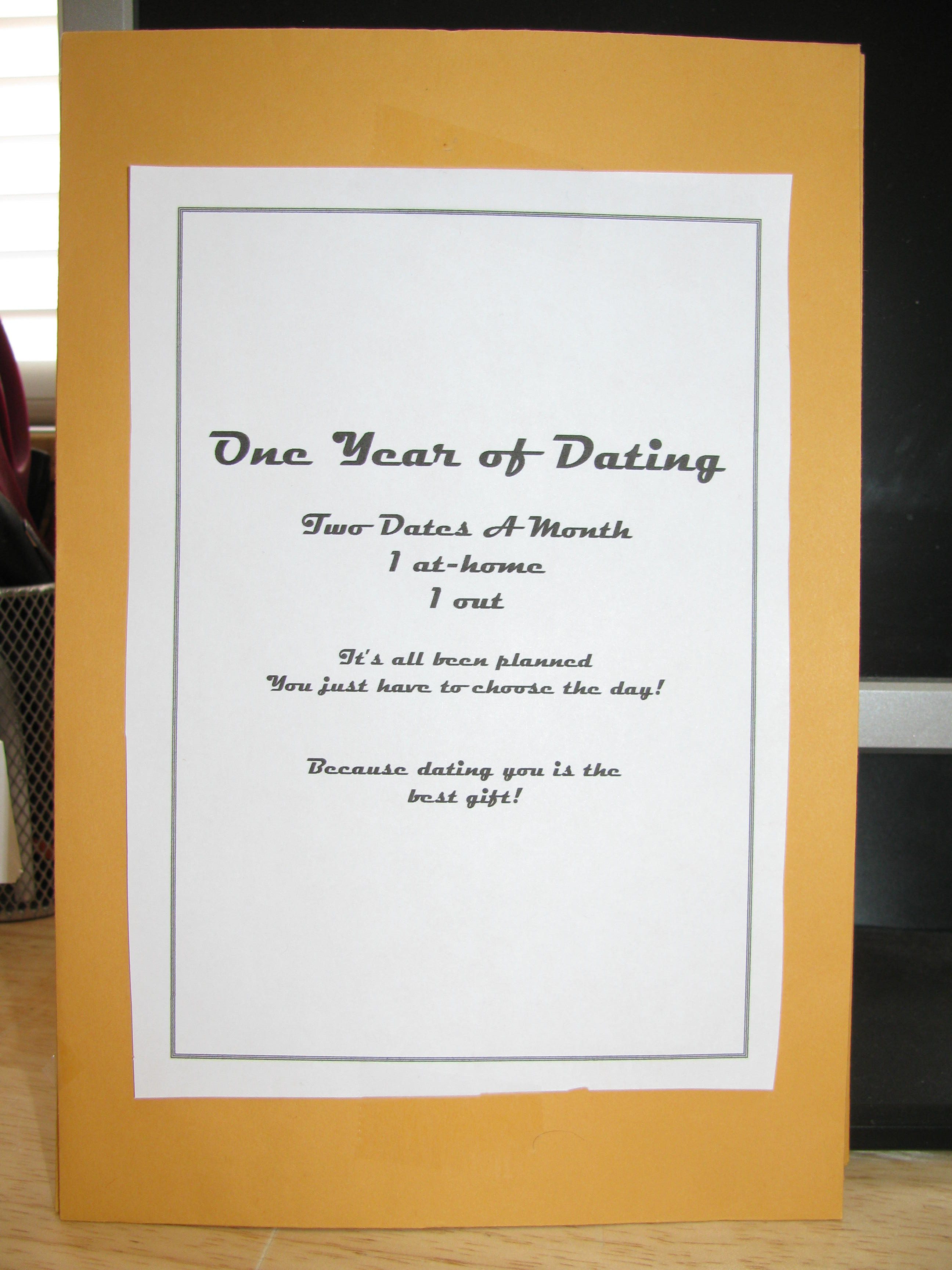 dating for one year gift ideas