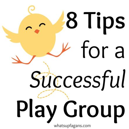 Playgroups are a great way for the kids and mom to socialize! I love these tips!