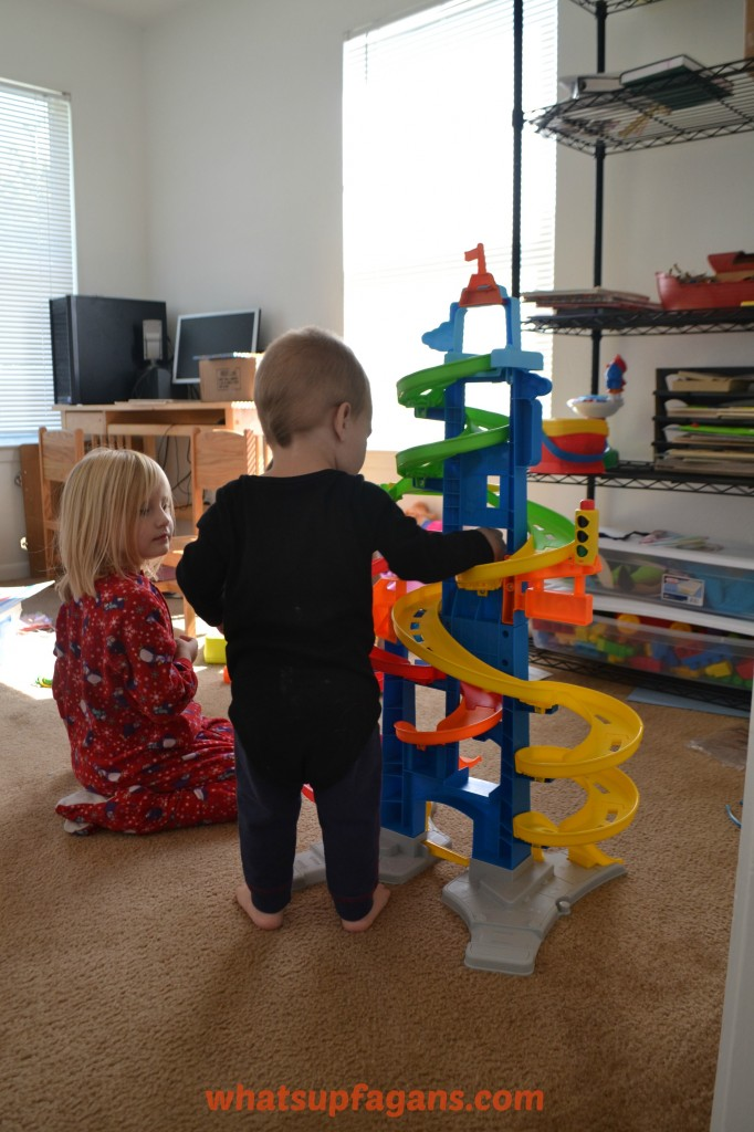 Toy Review of Fisher-Price Little People City Skyway #ChosenByKids #ad