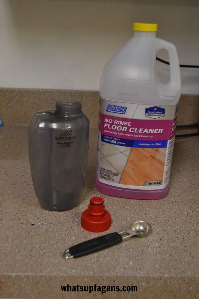 O-Cedar ProMist Spray Mop Solution Bottle - #CleanForTheHolidays #ad #cbias