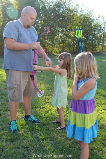5 very good reasons to get your kids into archery! Bows and arrows are so cool!