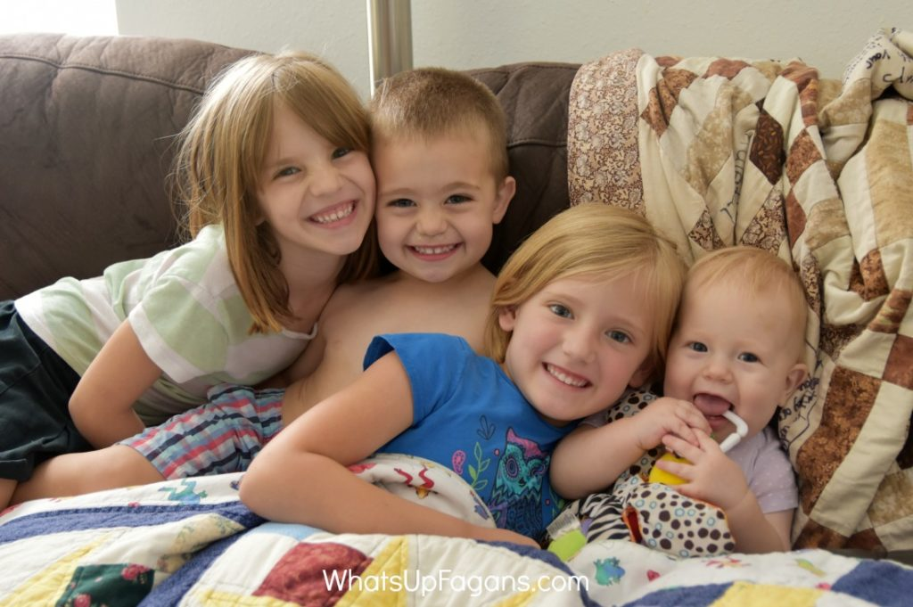 "If you want great tips for getting kids to smile for the camera that go beyond ""Say Cheese"" this is a great list!"