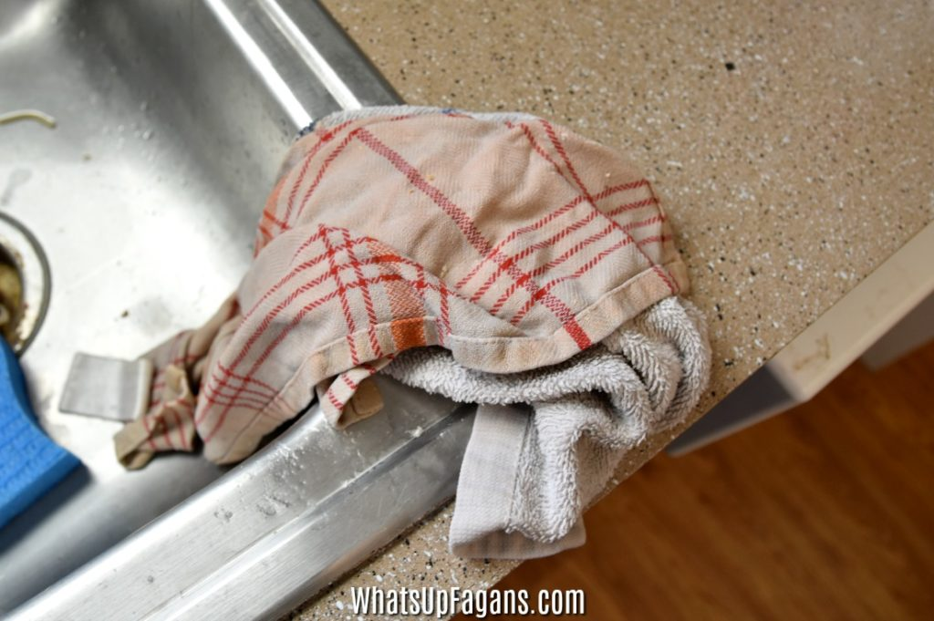 how to remove smells from kitchen towels