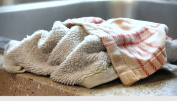 DIY Solution to Remove Odor from Clothes that Smell Funky
