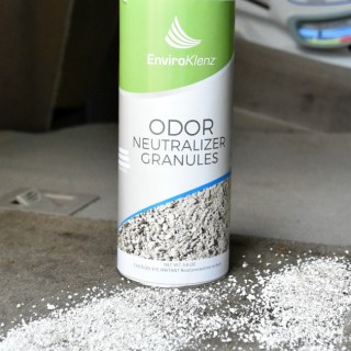 Car cleaning tip   how to cleanup vomit   how to get rid of vomit smell in car   natural cleaners   remove puke smell in vehicle