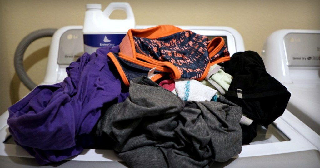 how to get rid of sweat smell from gym clothes
