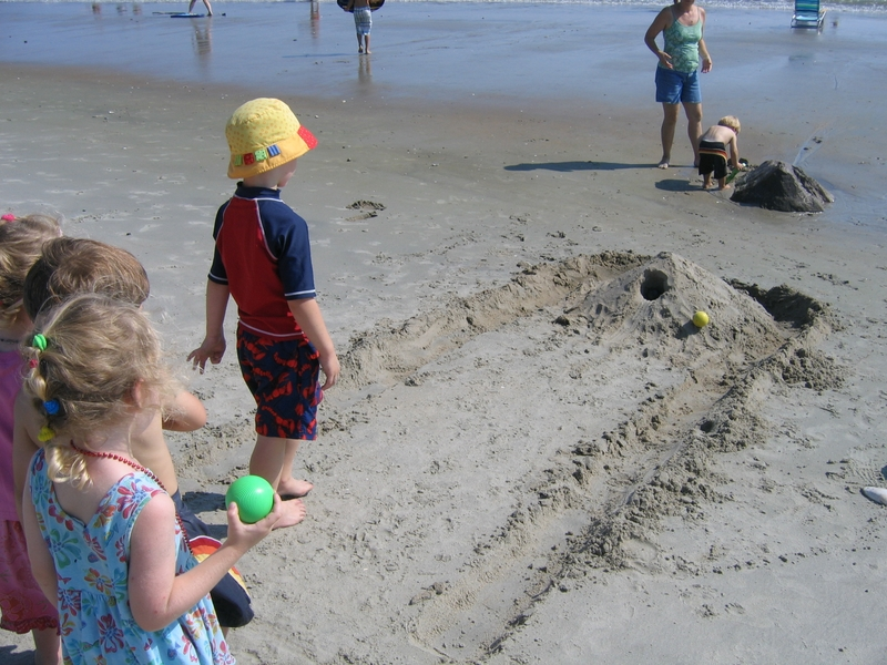 beach game for adults and for kids - beach skee-ball