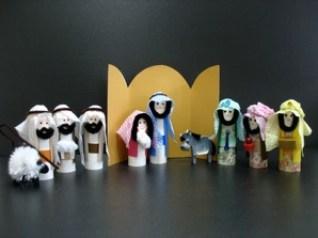 toilet paper tubes for making detailed nativity craft scene