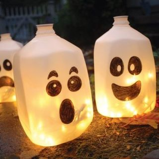 Spirit jugs, Milk jug ghosts, last minute Halloween Decorations