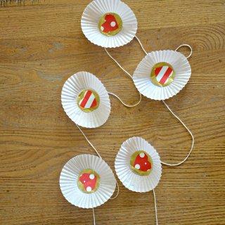 Cupcake Liner Valentine Garland