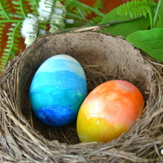 Perfect Kids Easter Craft – Watercolor Eggs