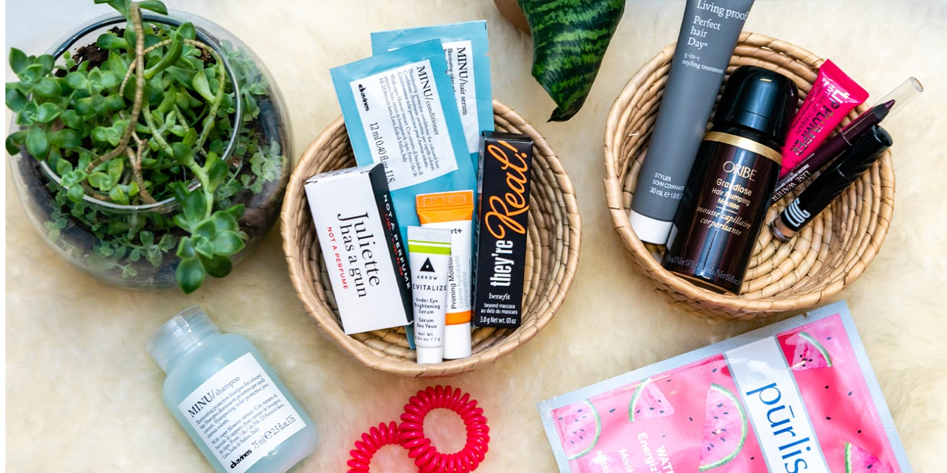 Birchbox Subscription Service Review. Flatl lay of products in the Birchbox.