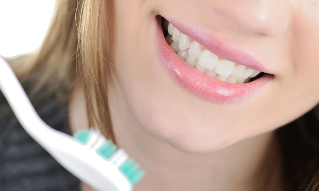Get a Great Smile With Help of Dental Veneers