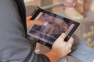 photo of someone playing Baldurs Gate on the iPad