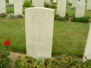 Headstone for Maurice Finn 1886-1917