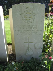 Headstone for Robert Russell Roberts at Durnbach War Cemetery in Germany (Image courtesy of nalarus at Ancestry Family Trees)