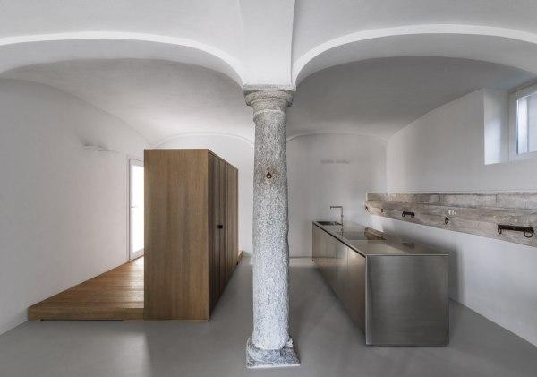 Casa A.G., Italy