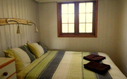 Beech Lodge double room, Wheatland Farm Eco Lodges
