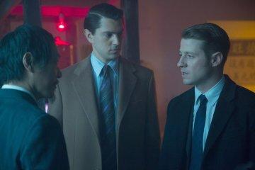 Gotham 1.18 Everyone Has Cobblepot investigation