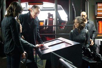 "MARVEL'S AGENTS OF S.H.I.E.L.D. - ""Parting Shot"" - (ABC/Kelsey McNeal) CLARK GREGG, CHLOE BENNET, HENRY SIMMONS"